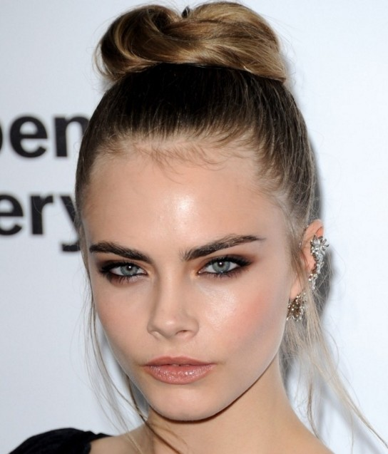cara-delevingne-makeup-looks-super-model-hot-images-nude-makeup