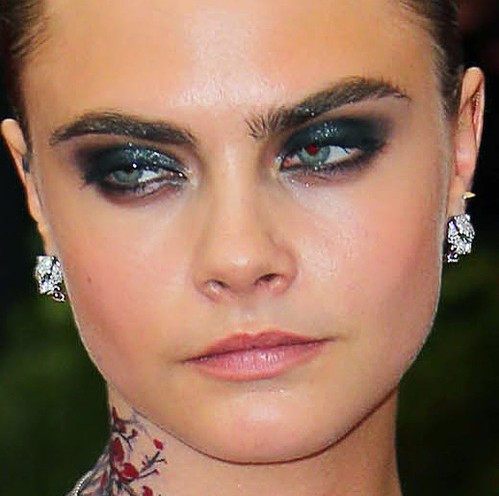 cara-delevingne-makeup-looks-super-model-hot-images-smokey-eyes