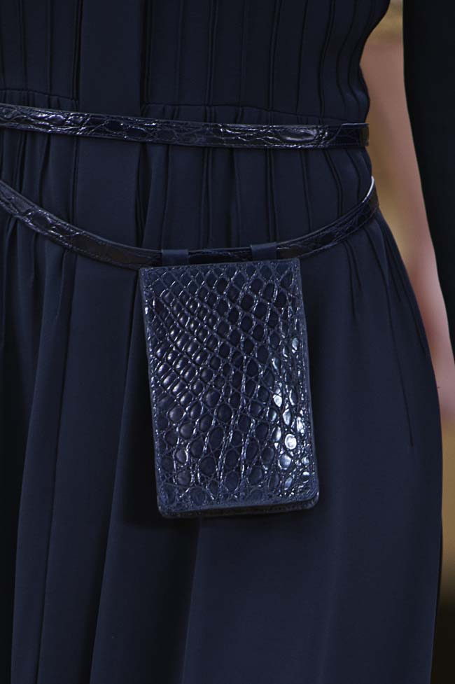 chanel-spring-2016-couture-fashion-show-ss16-detail-black-snakeskin-pattern-bag