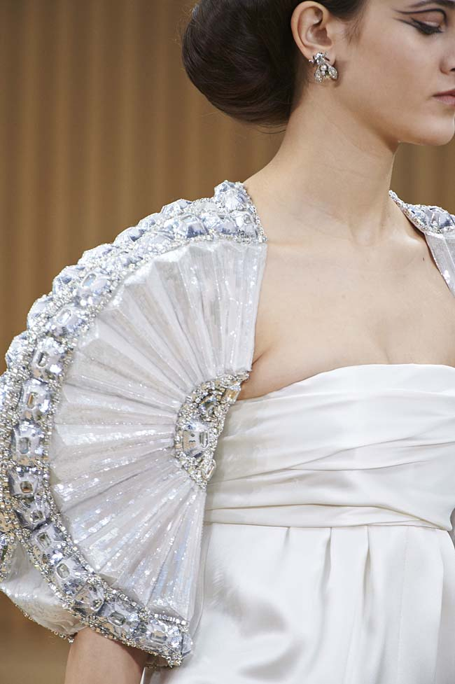 chanel-spring-2016-couture-fashion-show-ss16-detail-fan-sleeve-white-embellished