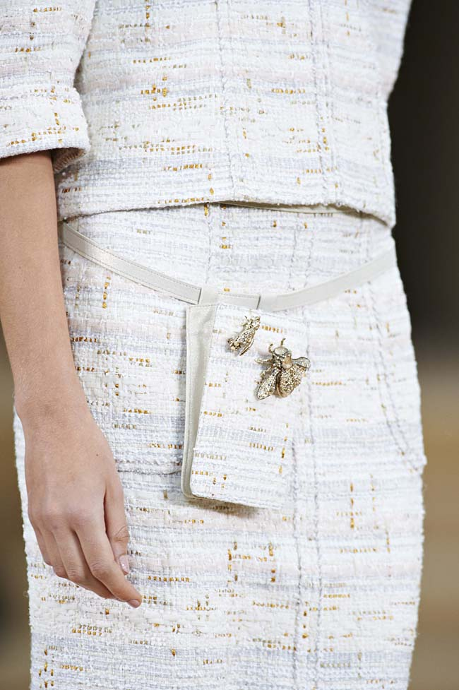 chanel-spring-2016-couture-fashion-show-ss16-detail-fanny-pack-housefly-embellished