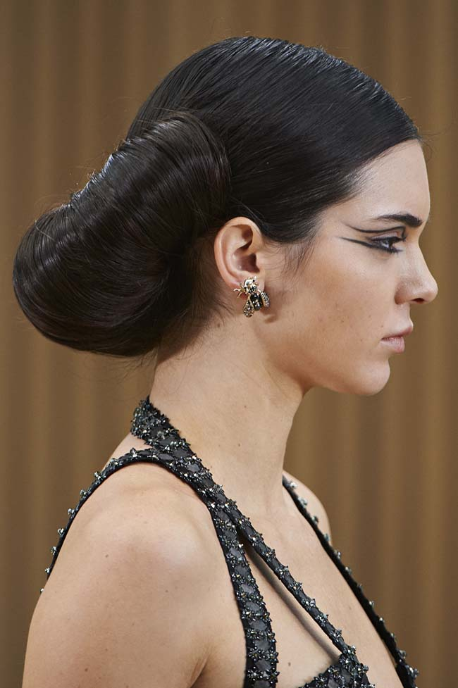 chanel-spring-2016-couture-fashion-show-ss16-detail-kendall-jenner-earrings