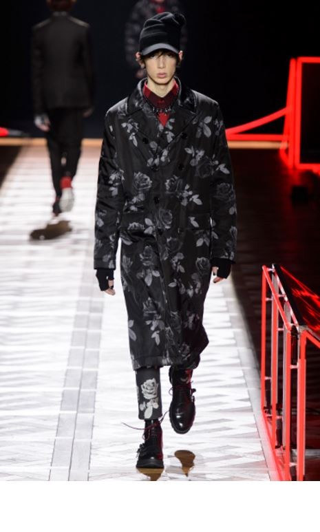 dior-mens-latest-fashion-trends-fall-2016-winter-2017-statement-coat-ros-print
