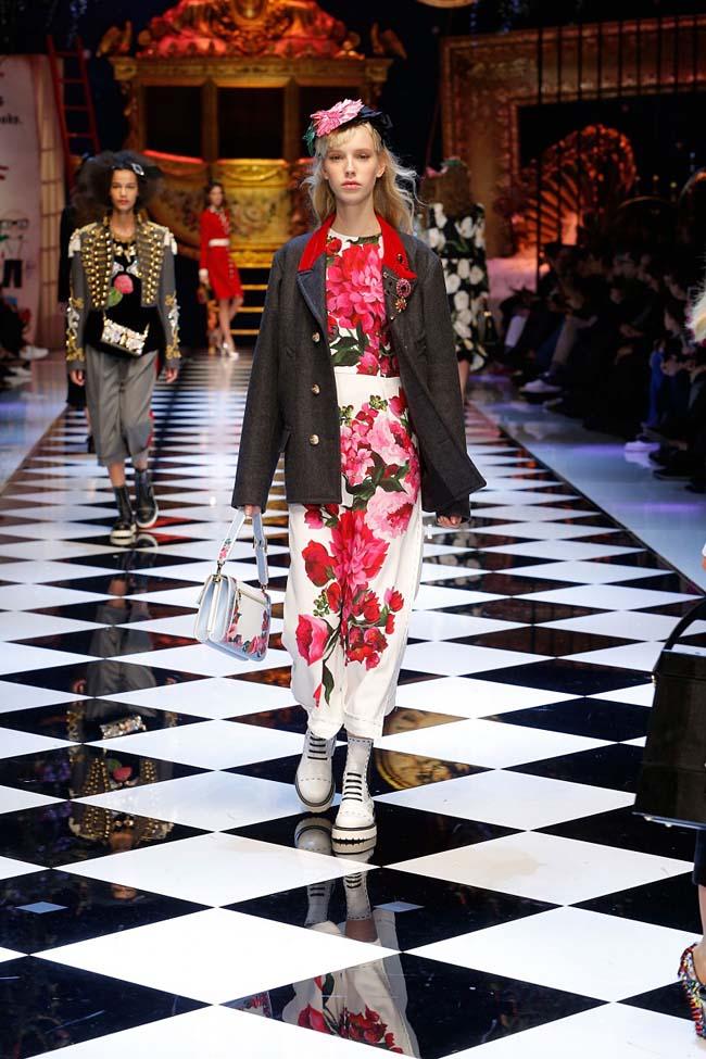 dolce-and-gabbana-fall-winter-2016-17-women-fashion-show-runway-17-