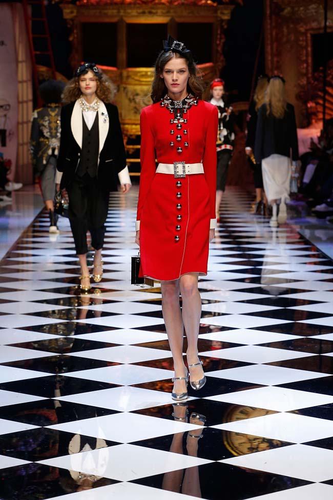 dolce-and-gabbana-fall-winter-2016-17-women-fashion-show-runway-20-