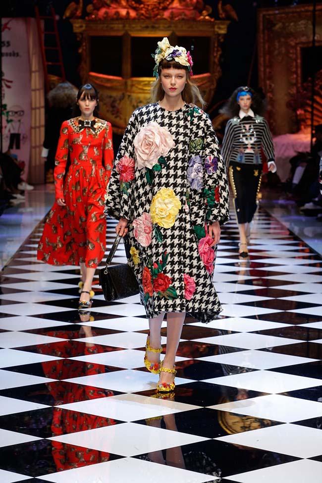 dolce-and-gabbana-fall-winter-2016-17-women-fashion-show-runway-23-