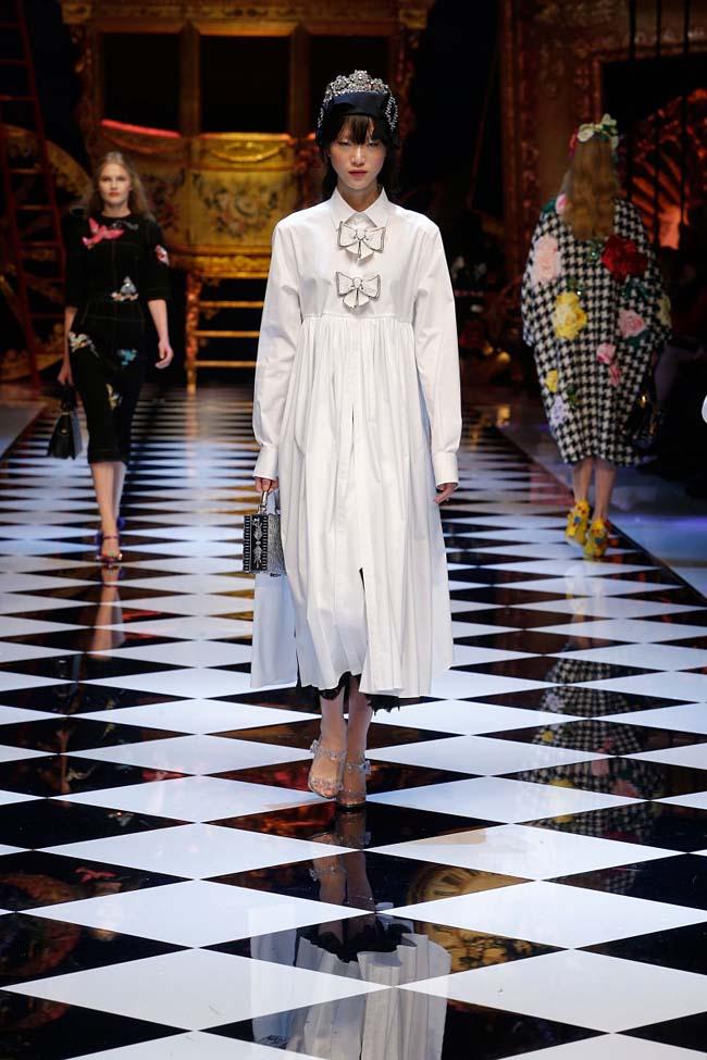 dolce-and-gabbana-fall-winter-2016-17-women-fashion-show-runway-26-