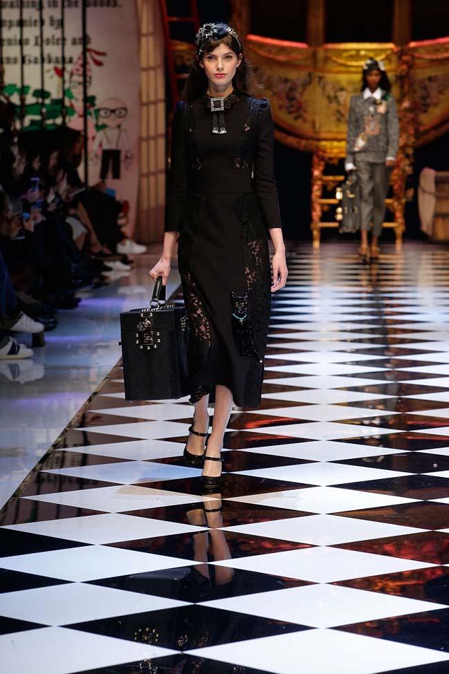 dolce-and-gabbana-fall-winter-2016-17-women-fashion-show-runway-42-
