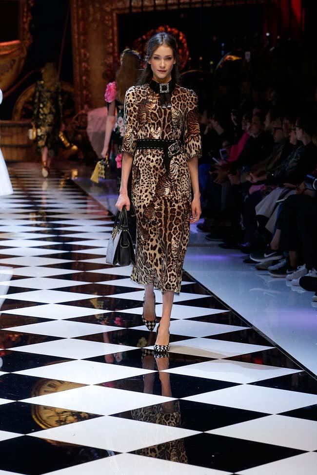 dolce-and-gabbana-fall-winter-2016-17-women-fashion-show-runway-61-
