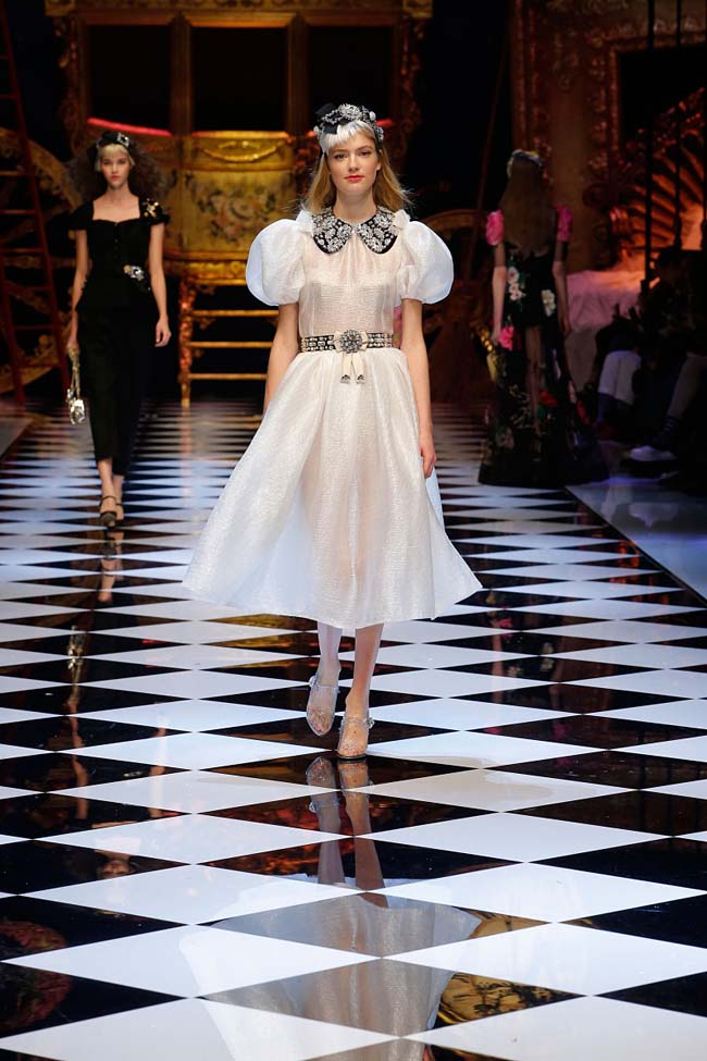 dolce-and-gabbana-fall-winter-2016-17-women-fashion-show-runway-62-