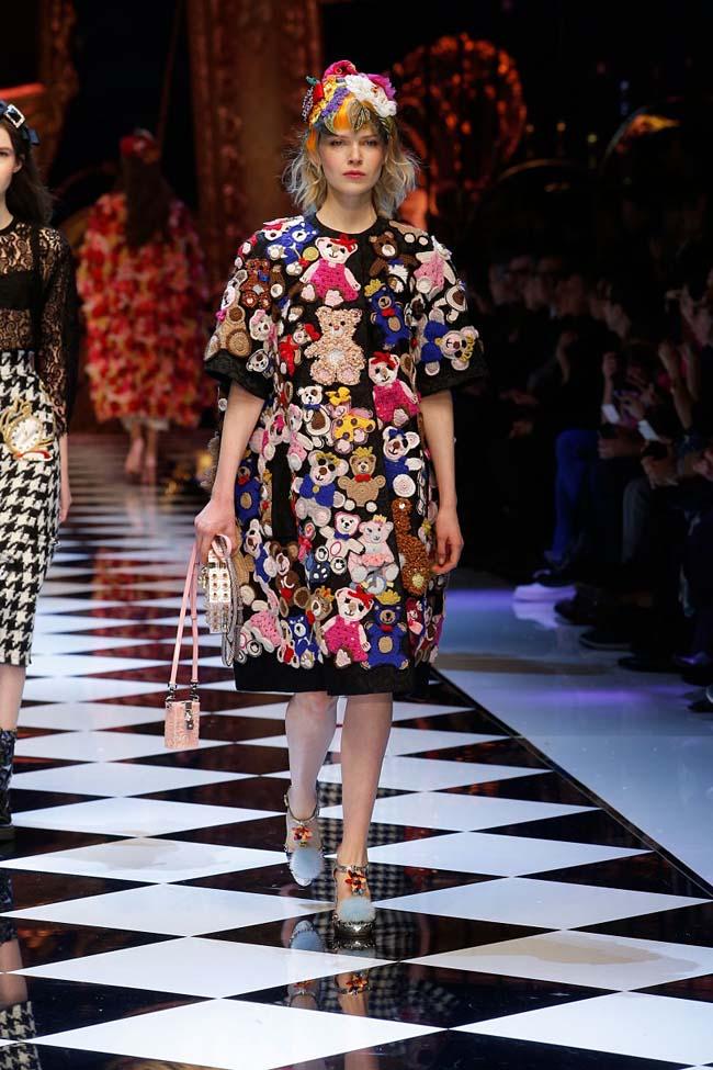 dolce-and-gabbana-fall-winter-2016-17-women-fashion-show-runway-67-