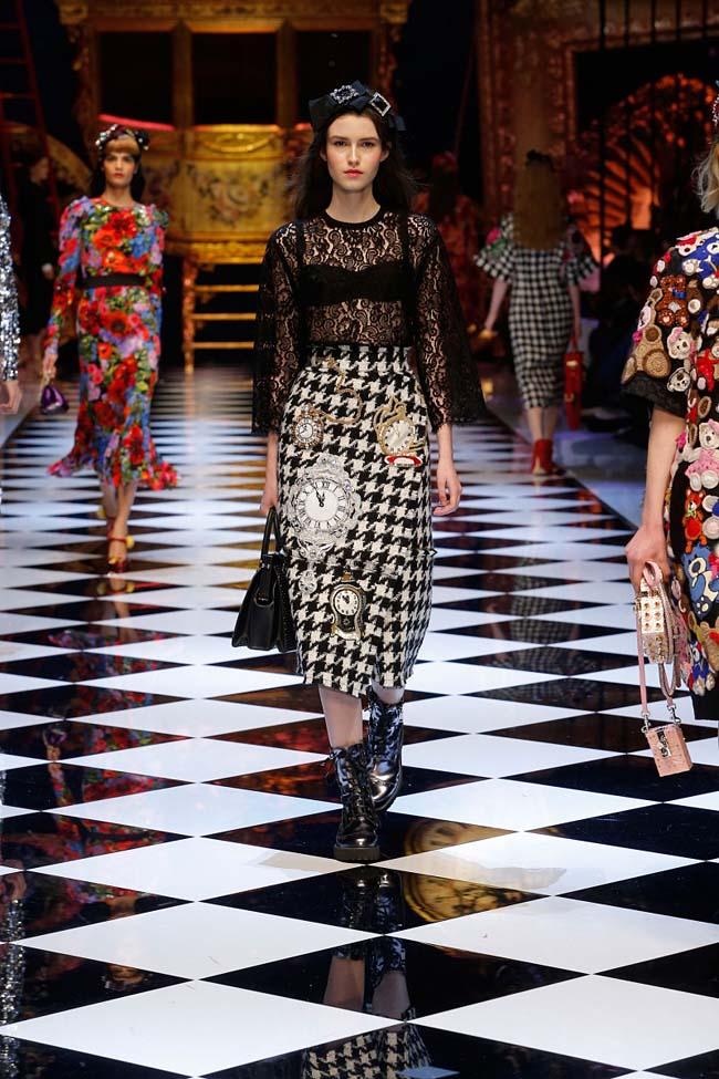 dolce-and-gabbana-fall-winter-2016-17-women-fashion-show-runway-68-