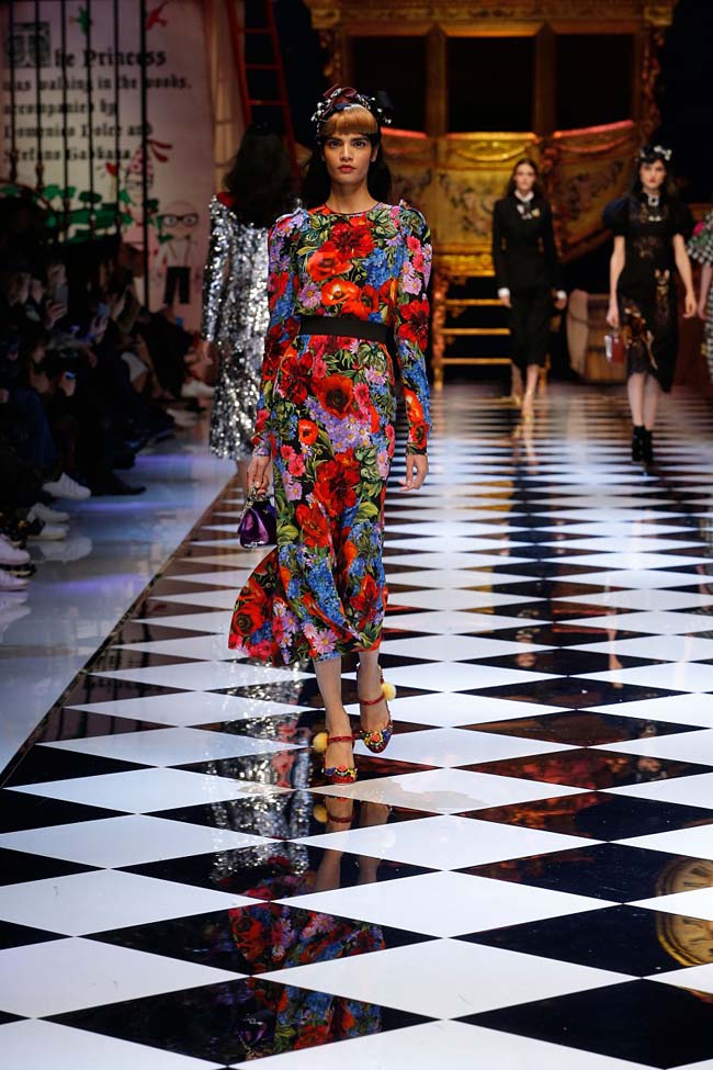 dolce-and-gabbana-fall-winter-2016-17-women-fashion-show-runway-69-