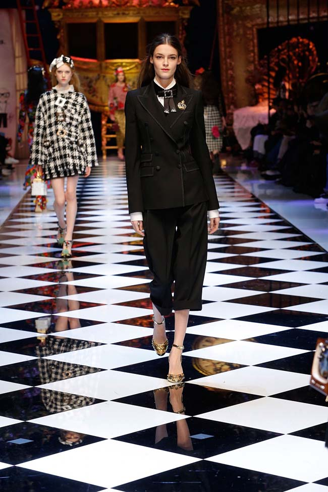 dolce-and-gabbana-fall-winter-2016-17-women-fashion-show-runway-71-