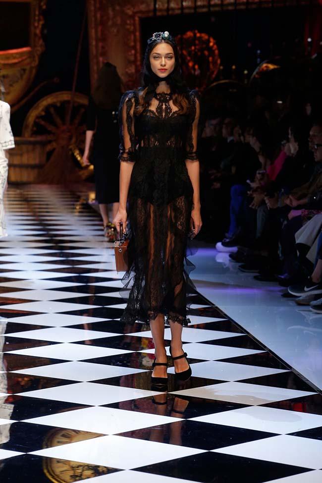 dolce-and-gabbana-fall-winter-2016-17-women-fashion-show-runway-76-
