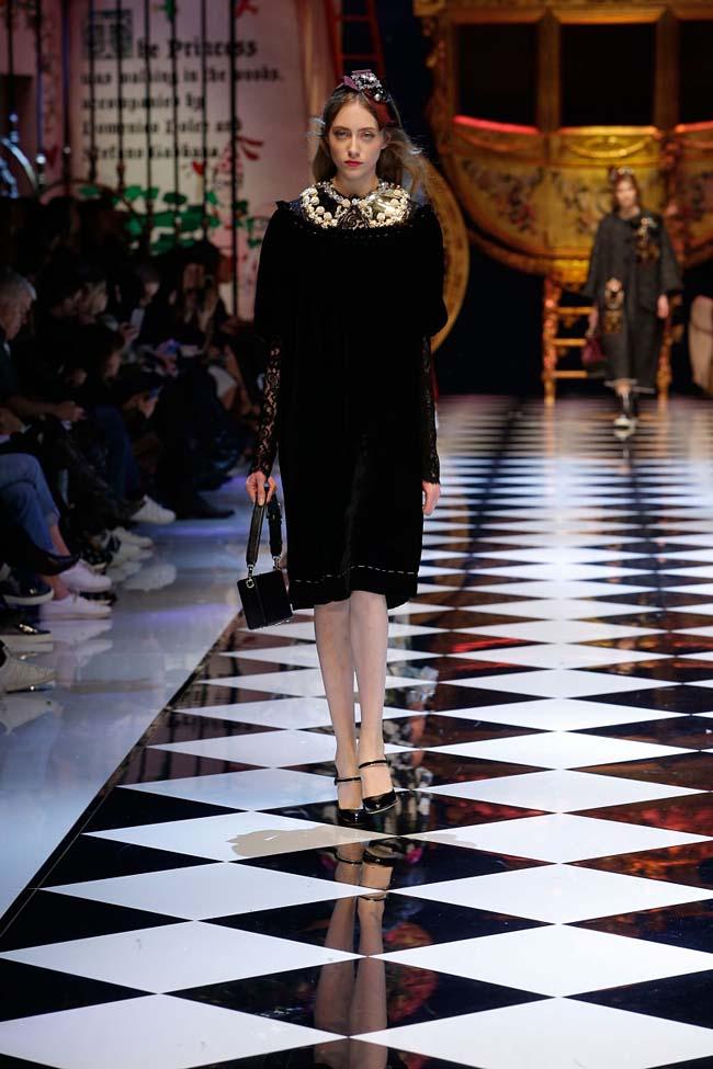dolce-and-gabbana-fall-winter-2016-17-women-fashion-show-runway-78-
