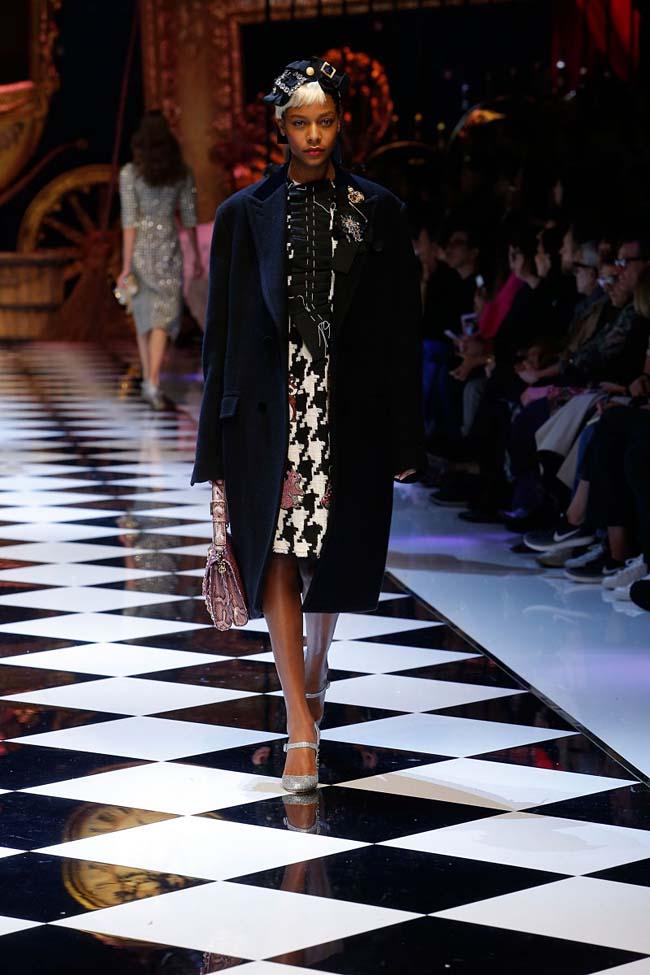 dolce-and-gabbana-fall-winter-2016-17-women-fashion-show-runway-85-