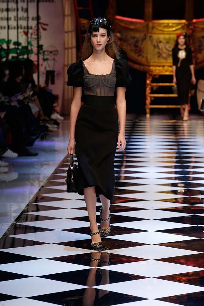 dolce-and-gabbana-fall-winter-2016-17-women-fashion-show-runway-90-
