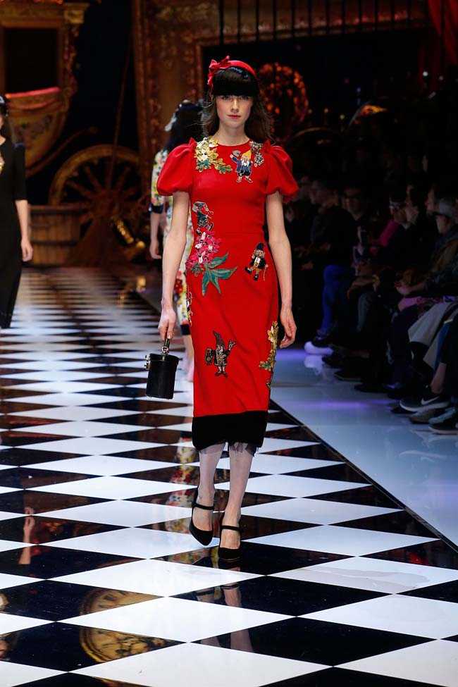 dolce-and-gabbana-fall-winter-2016-17-women-fashion-show-runway-91-