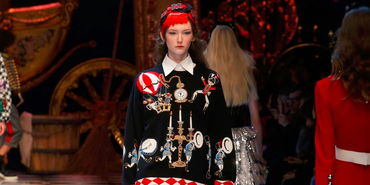dolce-and-gabbana-fall-winter-2016-17-women-fashion-show-runway-look-black-outfit-applique-candleholder-jacket