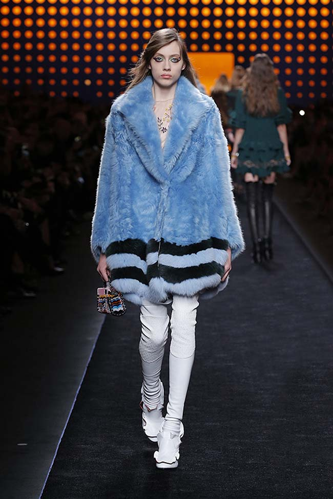 fendi-fall-2016-winter-2017-womens-fashion-show-mfw-dresses (11)