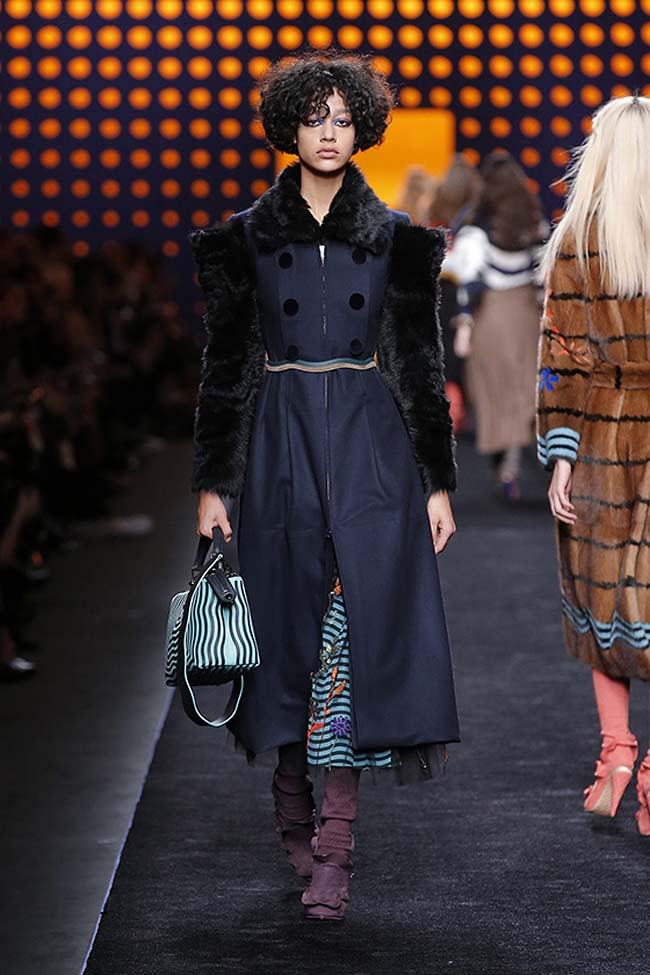 fendi-fall-2016-winter-2017-womens-fashion-show-mfw-dresses (36)