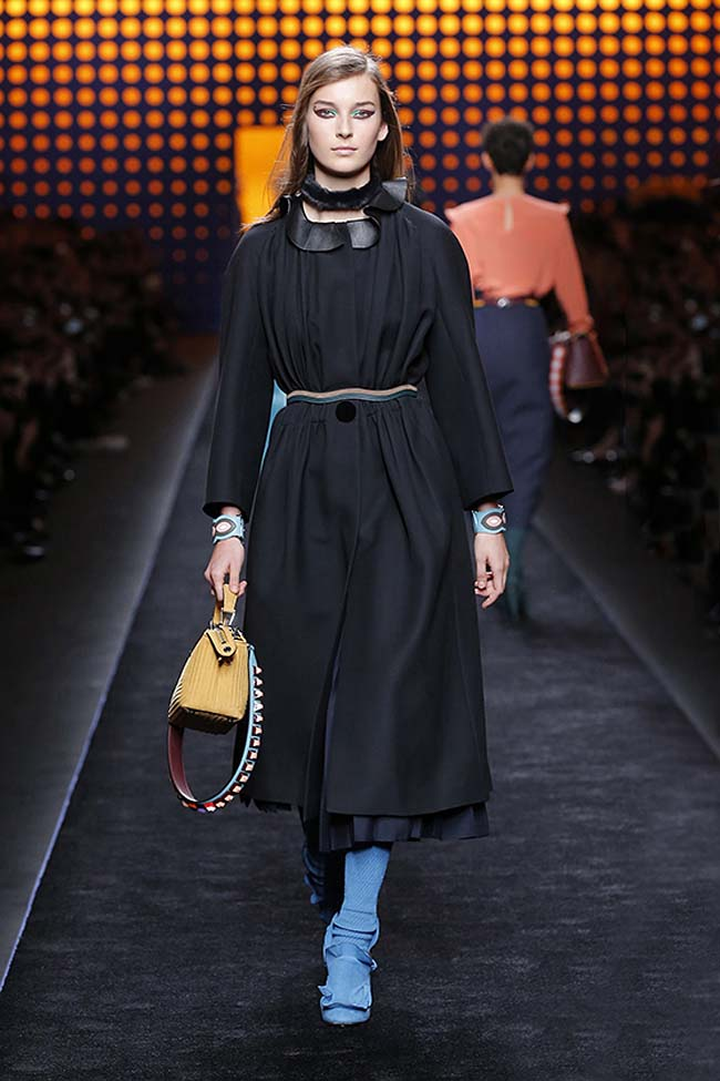 fendi-fall-2016-winter-2017-womens-fashion-show-mfw-dresses (4)