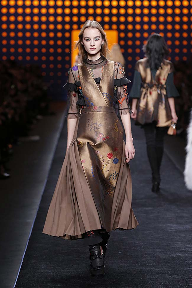 fendi-fall-2016-winter-2017-womens-fashion-show-mfw-dresses (43)-brown-silk-dress