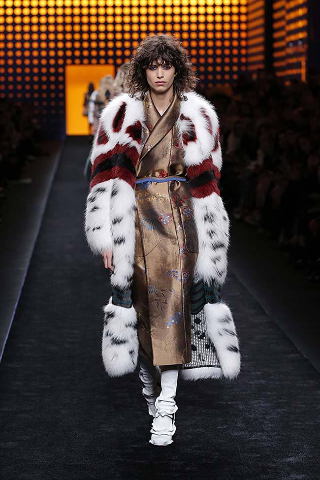 fendi-fall-2016-winter-2017-womens-fashion-show-mfw-dresses (45)-finale-look