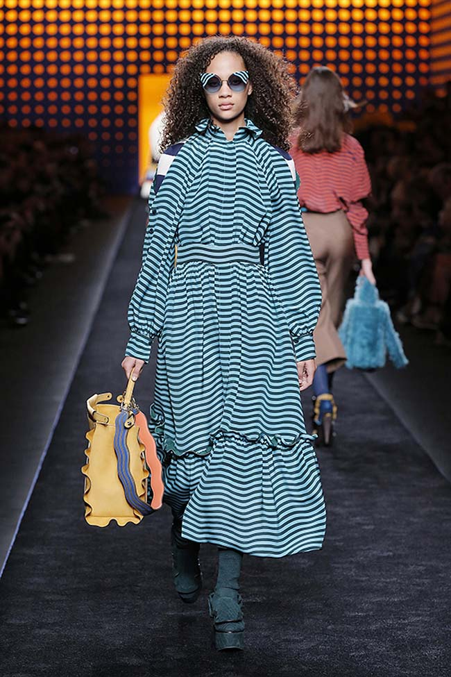 fendi-fall-2016-winter-2017-womens-fashion-show-mfw-dresses (6)