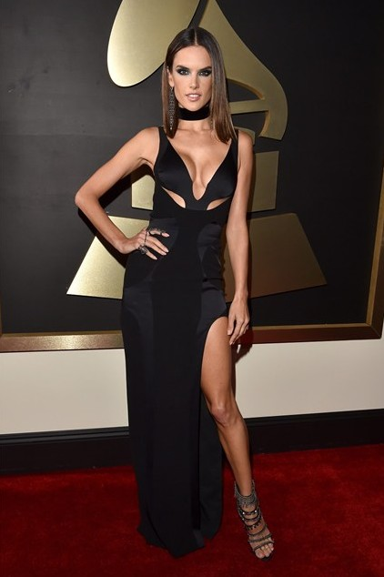 grammy-awards-2016-best-red-carpet-dresses-appearances-alessandra-ambrosio