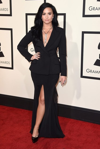 grammy-awards-2016-best-red-carpet-dresses-appearances-demi-lovato