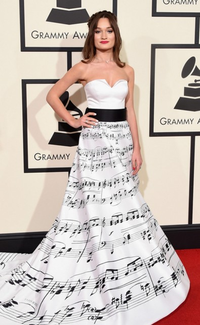 grammy-awards-2016-best-red-carpet-dresses-appearances-diana-gloster