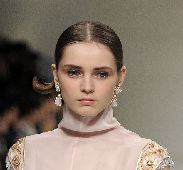 guo-pei-latest-makeup-trends-styles-spring-summer-2016-look-rosy-blush
