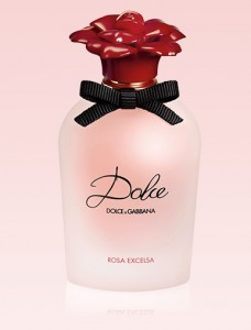 honeymoon-shopping-sexy-comfortable-outfit-romantic-dolce-n-gabanna-perfume