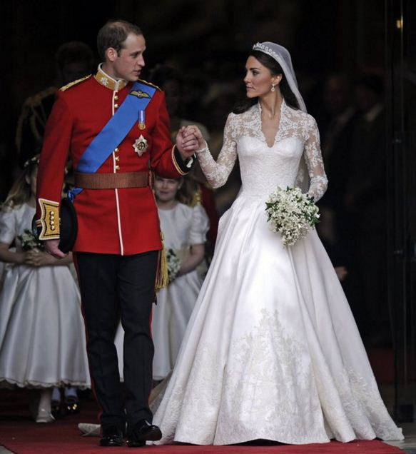 kate-middleton-wedding-dress-with-prince-harry-best-celebrity-wedding-dresses-bridal-white-royal