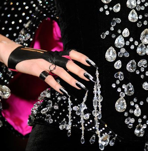 latest-nail-art-ideas-trends-spring-summer-2016-nailpolish-black-rhinestones-silver