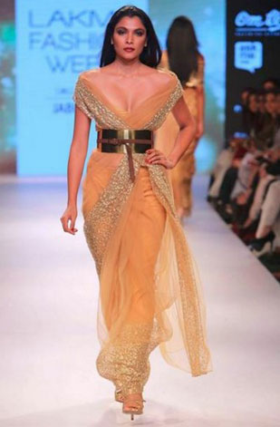latest-saree-trends-2016-designs-designer-border-nikhil-thampi