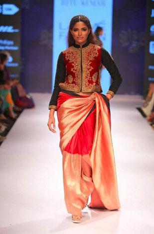 latest-saree-trends-2016-designs-designer-jacket-and-long-sleeves-ritu-kumar