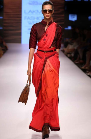 latest-saree-trends-2016-designs-designer-ombre-shruti-sancheti-red