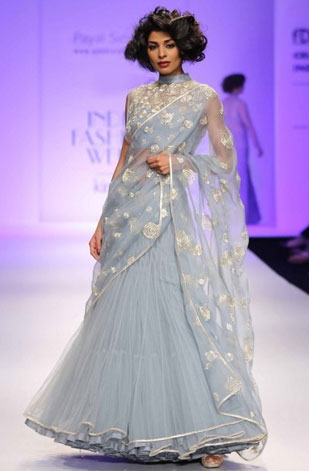 latest-saree-trends-2016-designs-designer-payal-singhal-lehenga-saree-gown