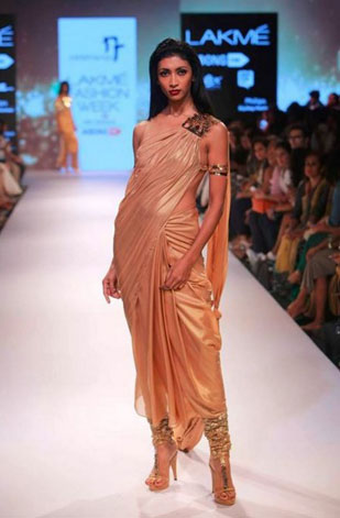 latest-saree-trends-2016-designs-designer-pre-draped-concept-nikhil-thampi