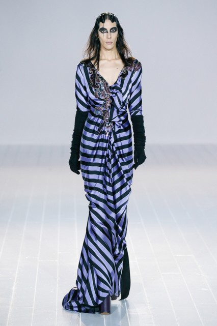 marc-jacobs-fall-2016-collection-first-look-purple-striped-maxi-gown