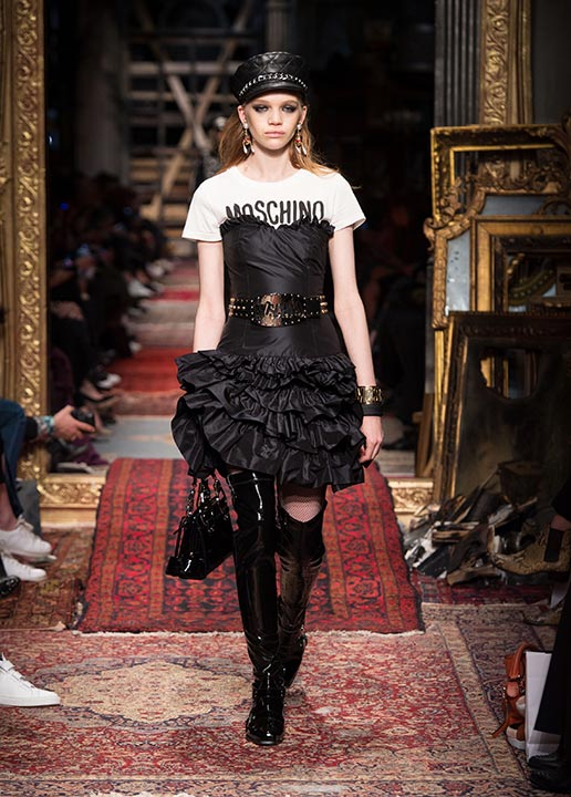 moschino-fall-2016-winter-2017-collection-latest-runway-fashion-show-dresses (23)-black-dress-over-tee