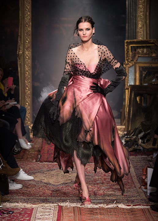 moschino-fall-2016-winter-2017-collection-latest-runway-fashion-show-dresses (45)-burnt-pink-dress-gothic
