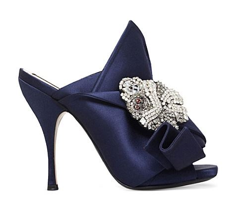 no-21-bow-monkey-embellished-satin-mules