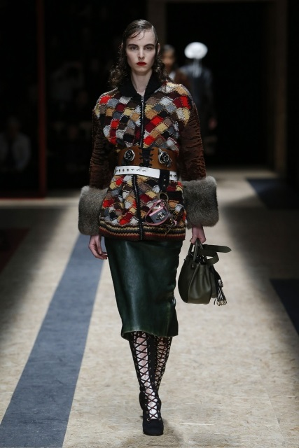 prada-fall-2016-winter-2017-latest-fashion-collection-outfits (11)