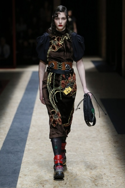 prada-fall-2016-winter-2017-latest-fashion-collection-outfits (13)