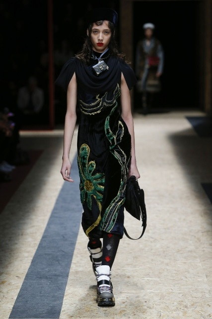 prada-fall-2016-winter-2017-latest-fashion-collection-outfits (14)