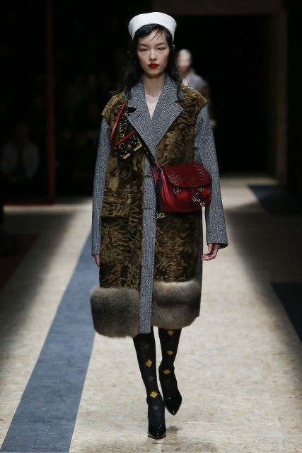 prada-fall-2016-winter-2017-latest-fashion-collection-outfits (15)